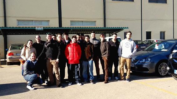 Algunos alumnos de segundo grado de Ingeniería mecánica